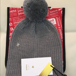 NWT HCMG LULULEMON ALL THAT SHIMMERS TOQUE GRAY
